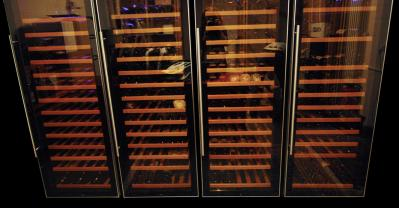 Aesthetic aspects of wine temperature control cabinets / wine coolers (colors, surfaces, finish)